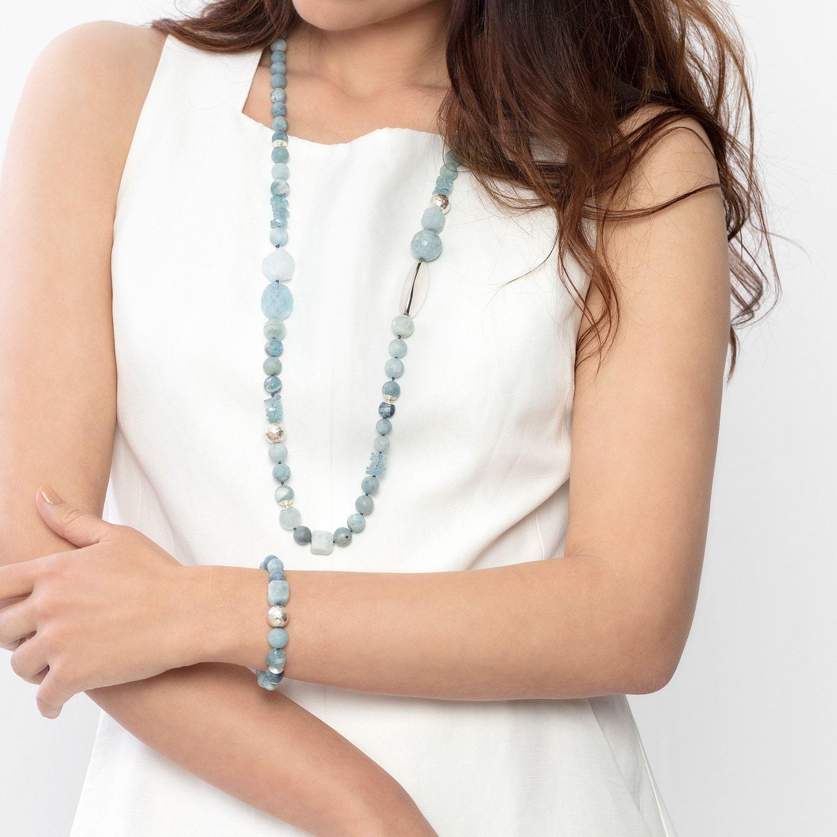 Irreuglar aquamarine bracelet