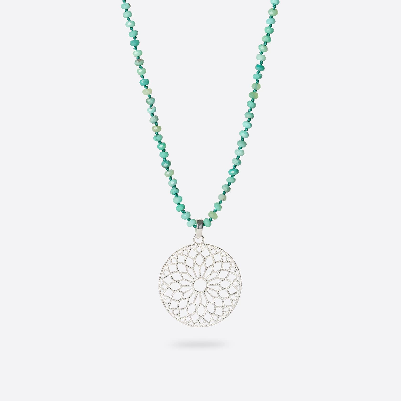 Moana long necklace with pendant