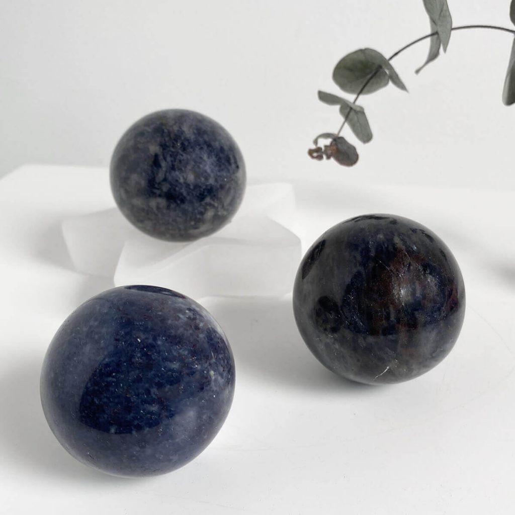 propiedades esferas iolita