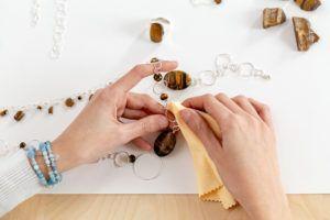 como limpiar tus joyas