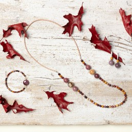 joyas artesanales con minerales en menorca