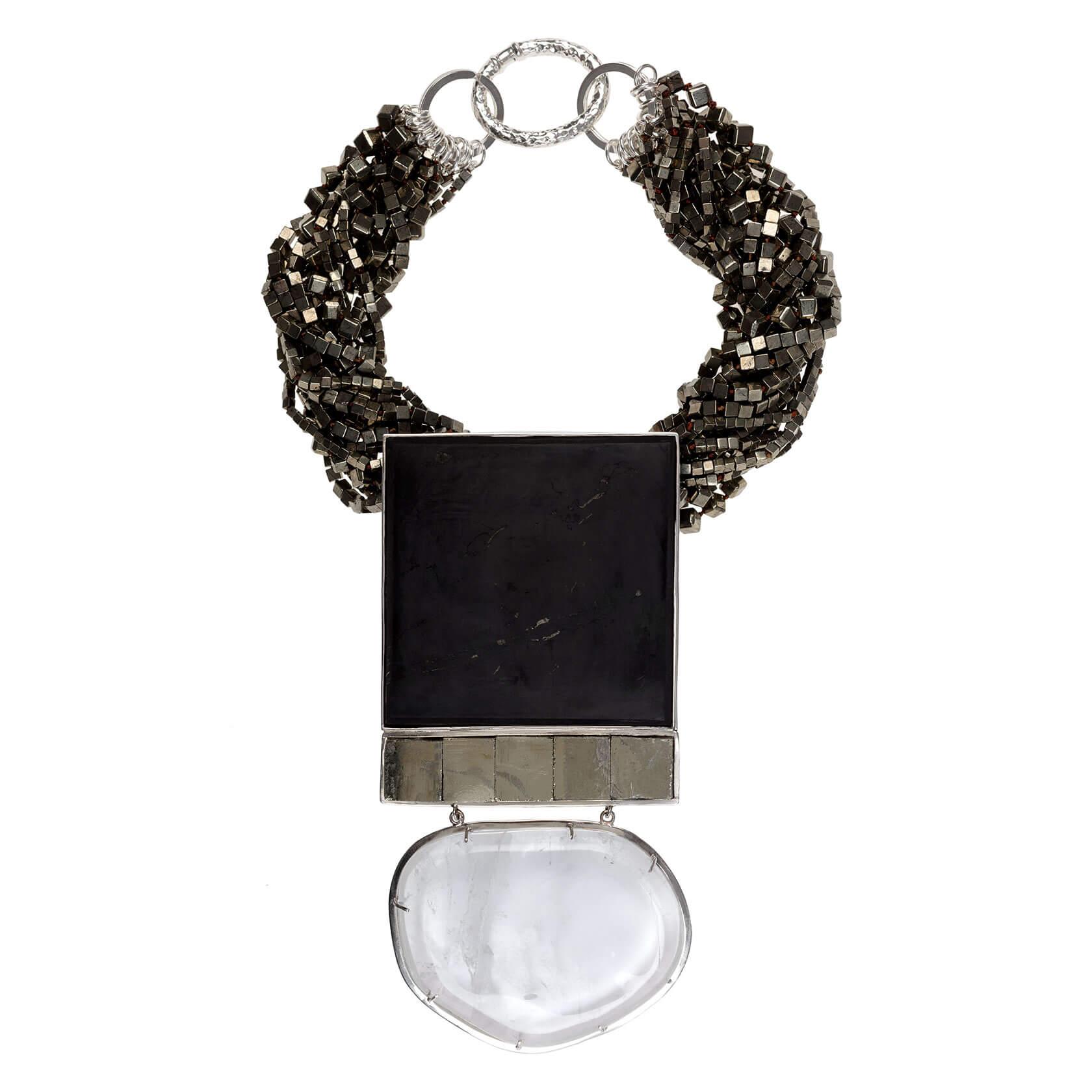 collar con pirita shungit y cuarzo cristal