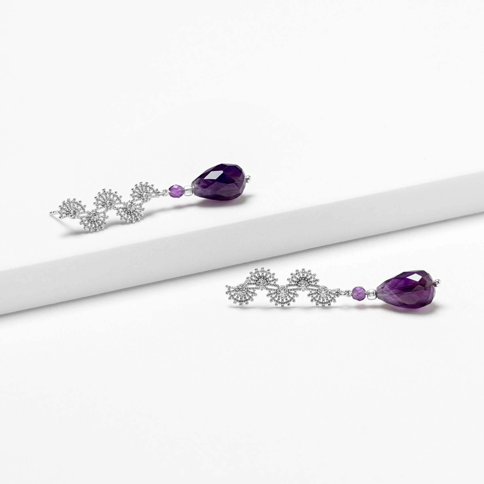 Long amethyst earrings with silver 925 marybola